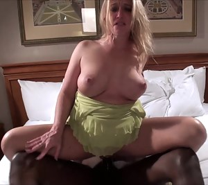 Free MILF Natural Tits Porn Pictures